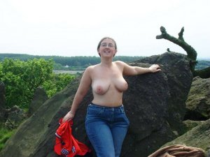 Isalia frauen escort Bad Endbach, HE
